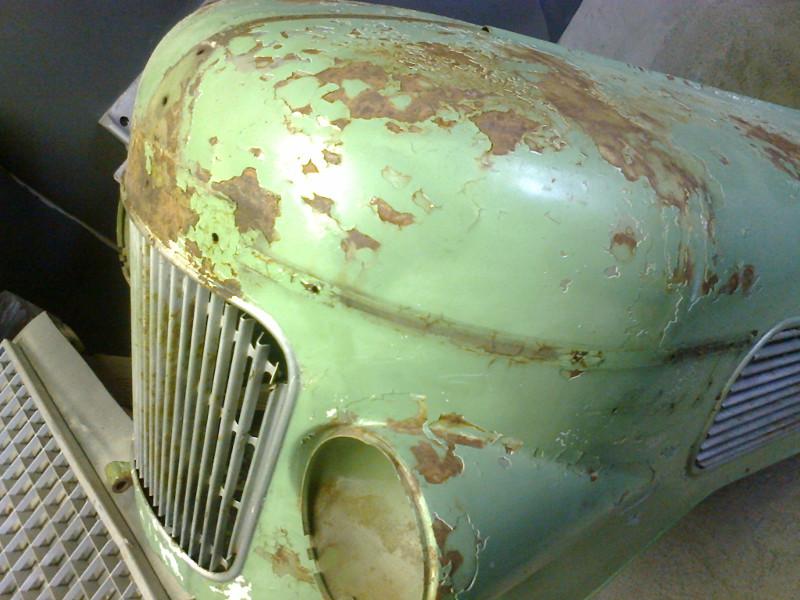 Fendt Fix 2 Motorhaube vor dem Sandstrahlen