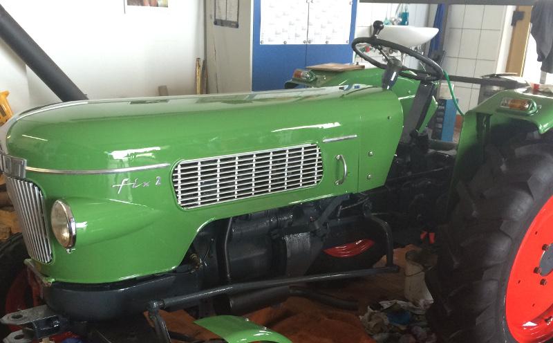 Fendt Fix 2 Motorhaube nach Restauration